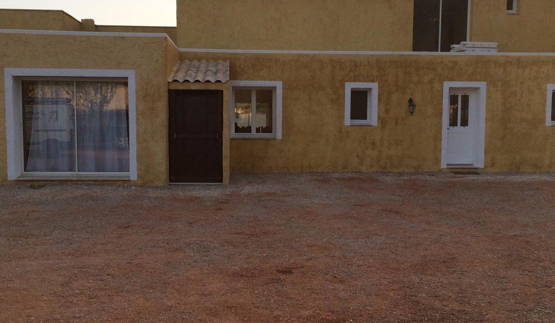 airbnjune-villa-roquebrune-sur-argens-exterieur-devant-de-la-maison