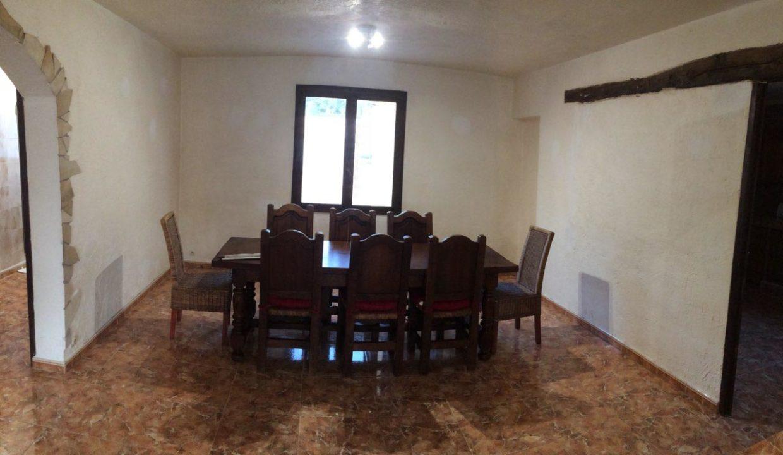 airbnjune-villa-roquebrune-sur-argens-salle-a-manger-8-personnes