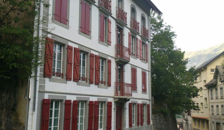 isia-Luz-T3-confort-immeuble-napoleonien-quartier-historique-st-sauveur