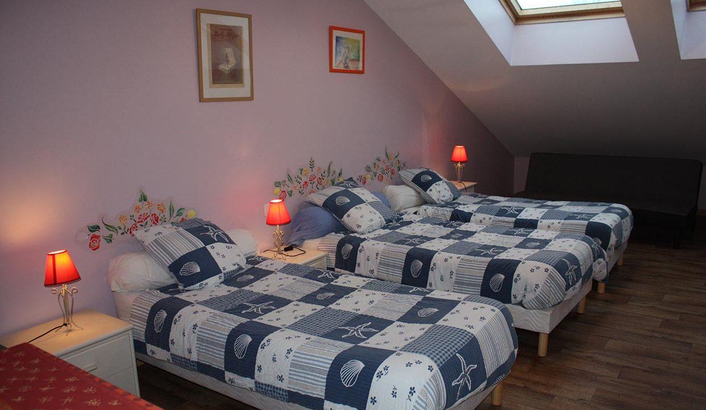 chambre-3-lits-simple-plus-canape