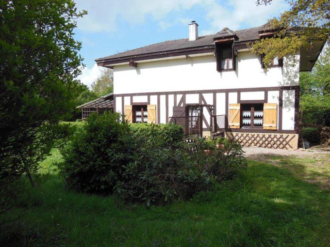 le cottage, son entrée, chambres d'hôte à la lumière de Jane