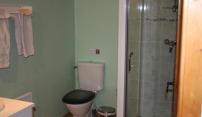 salle-d-eau-dasn-toutes-les-chambres-chambres-d-hotes-foameix-ornel