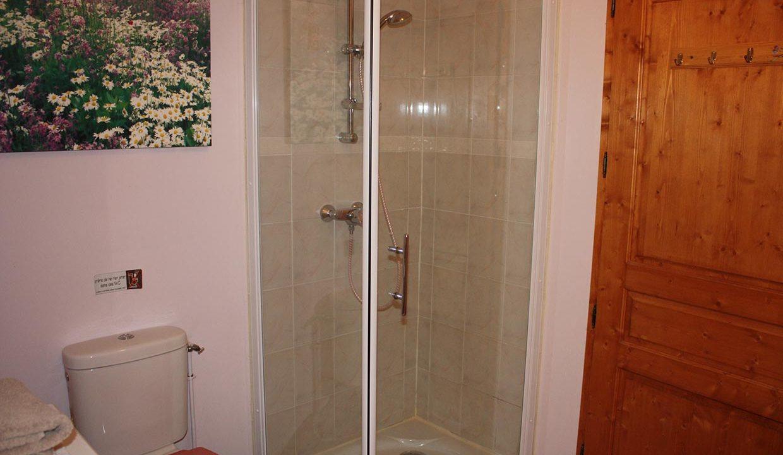 salle-d-eau-provative-dans-toutes-les-chambres