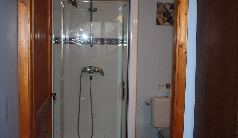 salle-de-bain-privee-dans-chaque-chambre-chambres-d-hotes-verdun