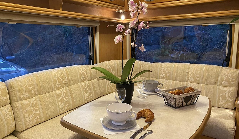 interieur-caravane-coin-salon